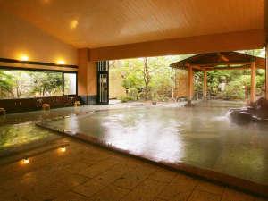 ■大浴場天童■夏には窓が開かれ半露天に。心地よい風とともにお楽しみいただけます