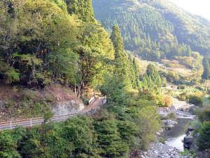 波賀不動滝公園 楓香荘:自然いっぱいで、お子様ものびのび遊べます☆