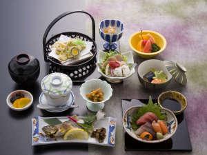波賀不動滝公園 楓香荘:【夕食】季節の食材を取り入れた、想い川コース。