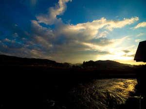 万象の湯 湯治場棟:【芹川と自然】大浴場露天風呂からの景色