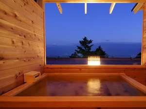 伊豆高原の隠れ宿 Syuhari ~守 破 離~:海を望む絶景 貸切温泉露天風呂お勧めの時間は夕暮れまで?
