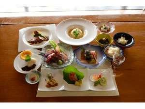 屋久島 海の胡汀路 てぃーだ:地産池消をベースにした創作和洋食のコースディナー