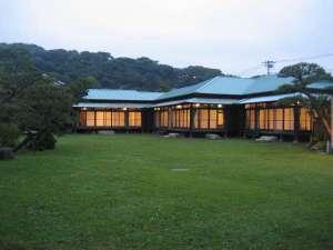 KKR逗子 松汀園(国家公務員共済組合連合会逗子保養所):大正12年建築。広々とした松の庭園に囲まれた大正館は昔から変わらず風格を感じます。