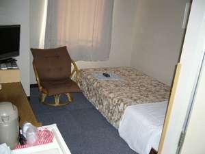 ビジネスホテルすがた:洋室シングルルーム