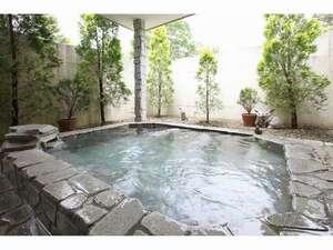 鉄板焼の宿 菊:露天風呂