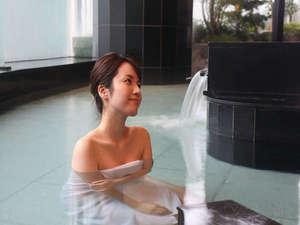 稲佐山温泉 ホテルアマンディ:市内希少の天然温泉で旅の疲れを癒す♪