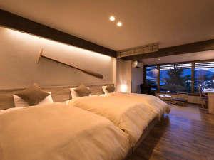 ホテル宮島別荘 夕陽を望む展望畳温泉と自然派ブッフェ料理:あなたらしい宮島の滞在を叶えてくれるベッドルーム。宮島でスローライフをお楽しみください