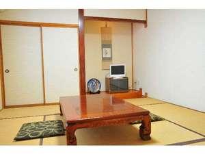 末広旅館:落ち着いた雰囲気の客室