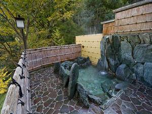 祖谷渓温泉 ホテル秘境の湯:ホテル秘境の湯:露天風呂に行って星でも見ましょう♪