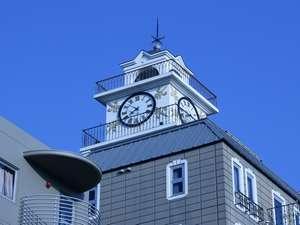 松江のランドマークは湖畔に聳える「白い時計台」です。小林亜星の時計台の歌がご来館をお待ちして居ます!