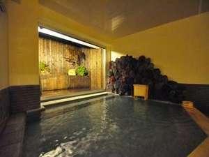 日光 季の遊:夕刻の大浴場