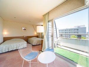 ホテル広島サンプラザ:〈スイート〉うれしい角部屋!広々とした室内で、特別な日におくつろぎいただけます