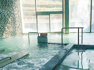 淡路島天然温泉東浦サンパーク:露天風呂・ジェットバス・サウナ…多彩なお風呂を楽しめます。