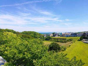淡路島天然温泉東浦サンパーク:緑に囲まれた自然豊かな施設です。