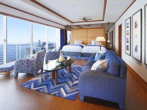 琵琶湖ホテル:【ジュニアスイート】お部屋は広々66平米。入った瞬間、目の前に広がる琵琶湖をお楽しみいただけます。