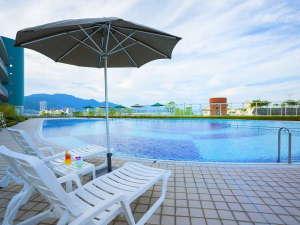 琵琶湖ホテル:【屋外プール】夏季限定ガーデンプール。営業時間は9:00~17:00 ※イメージ