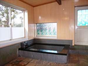 貸別荘 天ヶ瀬ログハウスA:内風呂です
