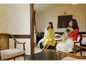 ペットと泊まれる宿 ゲストハウスベルン:ファミリールーム お部屋でゆっくりと