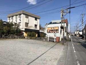 御殿場ビジネスホテル千楽:駐車場