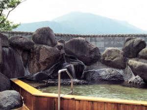 五の宮温泉 五の宮の湯:*露天風呂一例/露天風呂からは五の宮岳の山頂をご覧いただけます。開放感いっぱい。