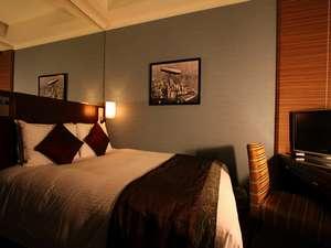 【セミダブル・夜】15平米ベッド幅140cm 大きなベッドで心地よい安らぎをお約束します。