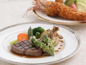 ペンシオーネ サライ:ジャンボ海老フライと フレィステーキは不動の人気