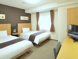 コンフォートホテル仙台西口:■ツインエコノミー■デュベスタイルの寝具♪☆120cm幅ベッド×2台