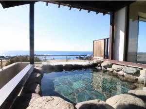 ホテル吾妻:大浴場 露天風呂からの眺めは最高です。
