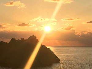 ホテル吾妻:ホテルからは、こんなにきれいな夕日がご覧いただけます。