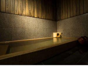 館内の温泉-花玄-夜は、貸切温泉、朝は男女別温泉となります。(大浴場スタイルではありません。)