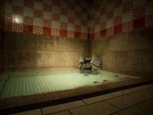 館内温泉-ほのか-。御影石風呂。夜は貸切温泉、朝は、男女別温泉です。