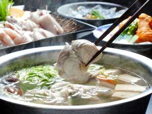 休暇村 南淡路:3年とらふぐのきめ細やかで肉厚の身がおいしい♪てっちり鍋