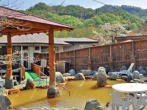 パシフィック温泉ホテル清龍園:【女湯・露天】広々としておりますので、ゆっくりと湯あみを楽しめます。