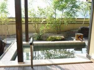 水車の宿 山木館:木洩れ日の露天風呂