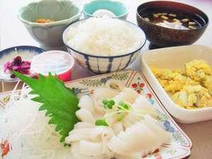 ホテルイースト:浦河産イカ刺し朝食