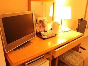 ホテルイースト:お部屋の設備 ビジネスに嬉しい無線LAN完備