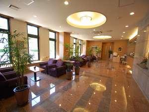 ホテルルートイン浜名湖:☆広々としたロビー、開放的な空間・・