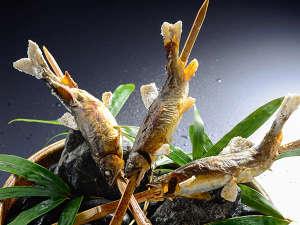 名栗温泉 大松閣:大松閣の名物でもある川魚の塩焼き。育ちすぎない川魚を選ぶのは身がしまっているからです。