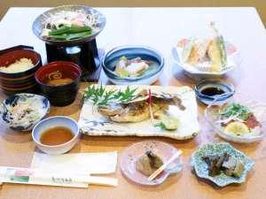 もみじ川温泉:*【お料理】夕食一例。旬のものを一番美味しい調理方法で召し上がれ♪