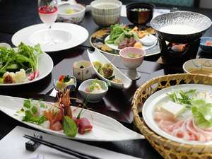 会席料理「晩餐」 佐々木料理長の妥協を許さない作品をお楽しみ下さい。