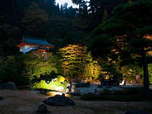 別格本山 西南院:お庭のライトアップ