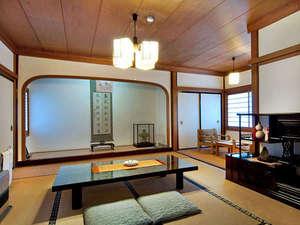別格本山 西南院:大石庭を望む数寄屋風和室(14畳)