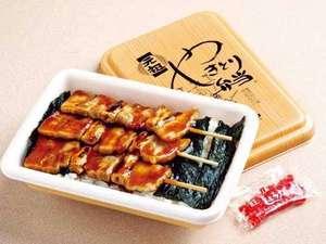 ご当地グルメ【やきとり弁当】ハセガワストアで販売!やきとり弁当ですが、豚の精肉です!