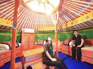 モンゴリアビレッジ テンゲル:モンゴル直輸入の家具などゲルでしか味わえない感動と驚きが満載!広々としたゲルでリラックス◎