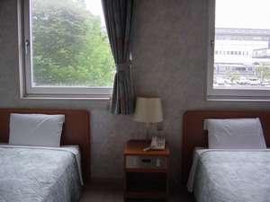 @アットホテル:ツインルーム