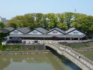 酒田グリーンホテル:客室より、山居倉庫を望む