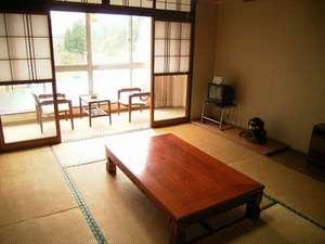 ホテル紅葉館:*【客室例】畳のお部屋でのんびりとお寛ぎ下さい。