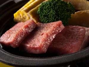 由布のお宿 ほたる:大分のご当地肉 豊後牛の陶板焼き