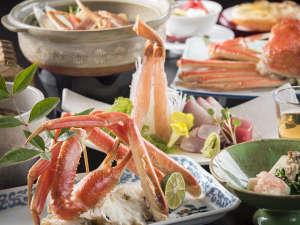 加賀料理と源泉かけ流しの宿 山中温泉 すゞや今日楼:数々の蟹料理に、心躍ること間違いなし♪ゆったりとお召し上がりください。