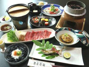 川湯温泉 亀屋旅館:選べる熊野牛プランお料理一例 ※画像は熊野牛しゃぶしゃぶです。